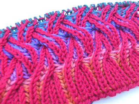 how to knit brioche stitch how to knit rainbow cowl with two color brioche stitch
