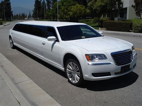 Chrysler Limo by Chrysler 300 Limo Up To 8 Passengers La Limos