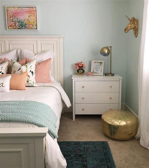 blue walls in bedroom 25 best ideas about light blue bedrooms on