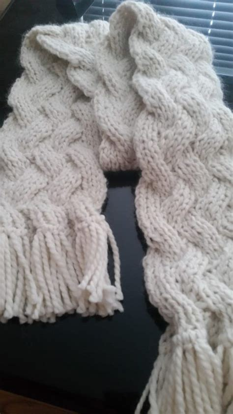 cable knit scarf pattern free 25 best ideas about cable knit scarves on