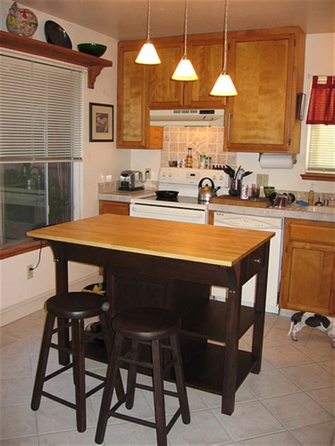 kitchen island in small kitchen how to buy small kitchen islands with seating modern kitchens