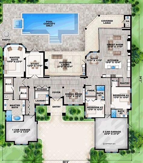 mediterranean house floor plans best 25 mediterranean house plans ideas on