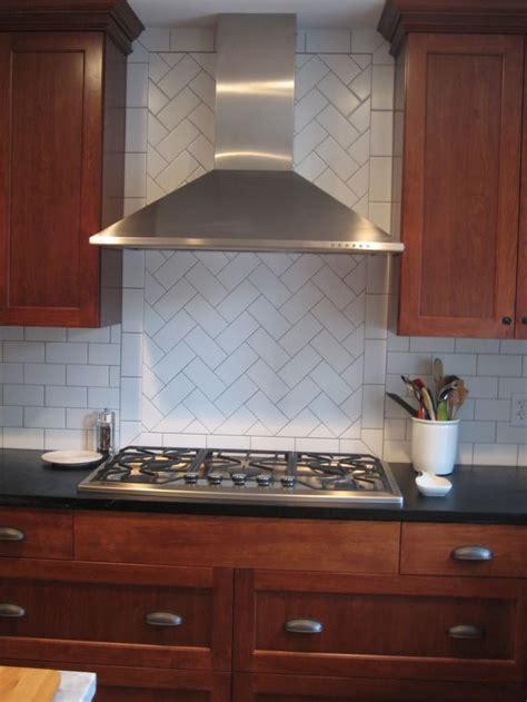 kitchen backsplash patterns 25 best ideas about subway tile backsplash on