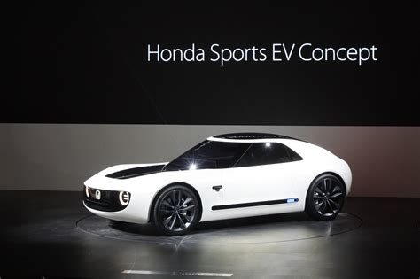 Sports Car Concept by Honda Reboots The Classic 60s Sports Car With Its Ev