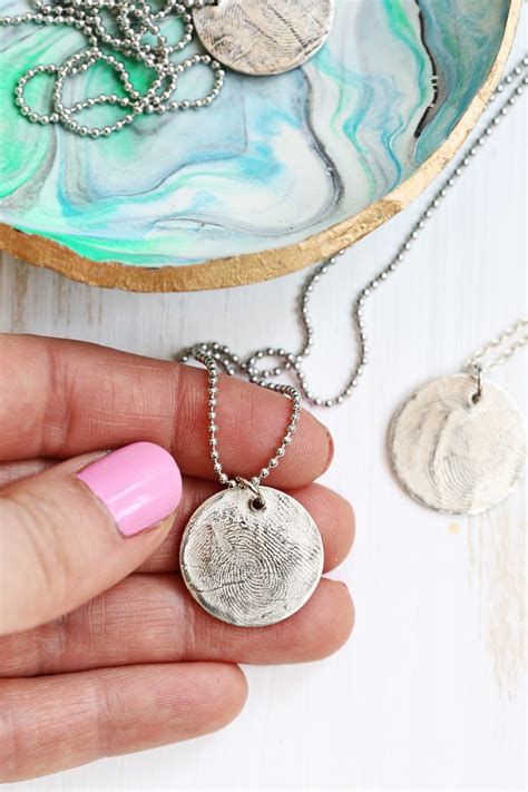 how to make silver clay jewelry make real silver jewelry with metal clay a beautiful mess