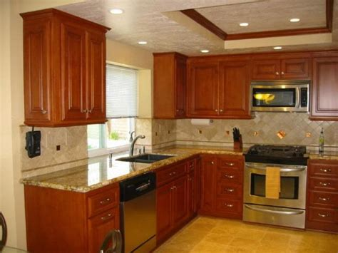 paint colors for kitchen walls and cabinets selecting the right kitchen paint colors with maple