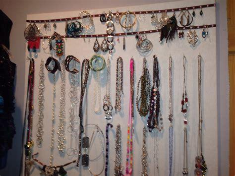 Make Your Own Jewelry Display Trusper