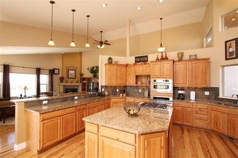 paint colors for kitchen with hickory cabinets denver hickory kitchen cabinets i like the wall color