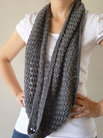 free easy infinity scarf knitting pattern 25 best ideas about crochet infinity scarves on