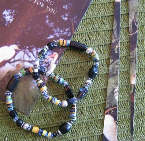 recycled paper bead maker make a recycled paper bead bracelet