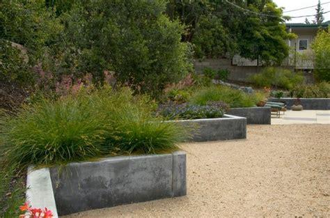 concrete garden walls garden landscaping ideas for borders and edges