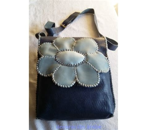 bolsos de cuero artesanales bolso artesanal de cuero azul flor