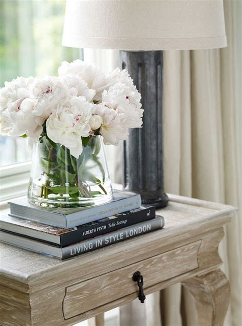 interior design with flowers best 25 bedside table decor ideas on