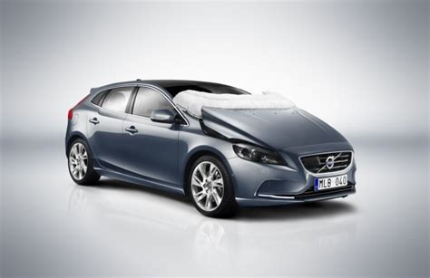 Volvo Airbag by Volvo Explains Its Pedestrian Airbag System