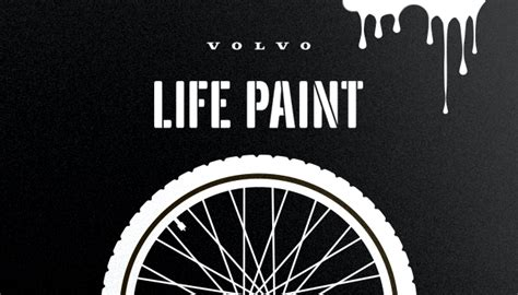 glow in the paint volvo glowing bikes thanks to volvo lifepaint rightturn