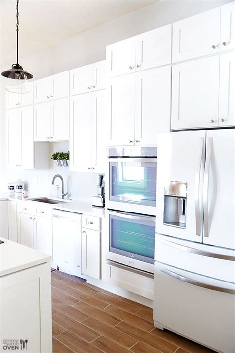 Kitchen Ideas With White Appliances by Best 25 White Kitchen Appliances Ideas On