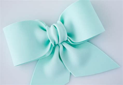 how to make a bow bake eat how to make a gum paste fondant bow
