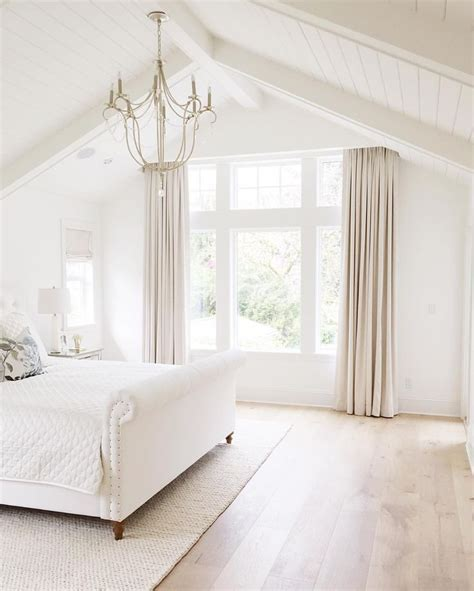 white bedroom chandelier 10 best ideas about vaulted ceiling bedroom on