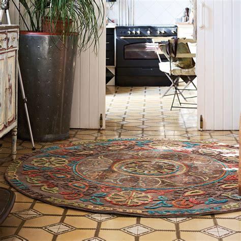 on veut un tapis rond pour embellir une pi 232 ce inspiration deko