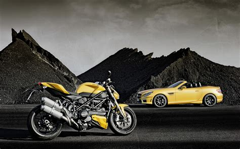Moto E Car Wallpapers by 2012 Mercedes Slk 55 Amg Ducati Streetfighter 848