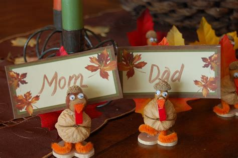 kid friendly thanksgiving crafts thanksgiving kid friendly craft for turkey place card holders