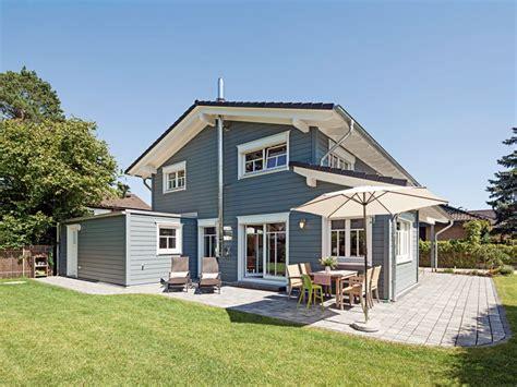 Danwood Haus Klinker by Mehrschaliges Massives Holzhaus Mit Grauer Edler Fassade