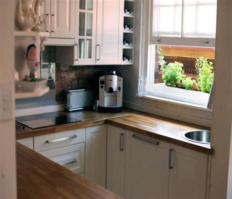 small square kitchen ideas small square kitchen design small square kitchen design