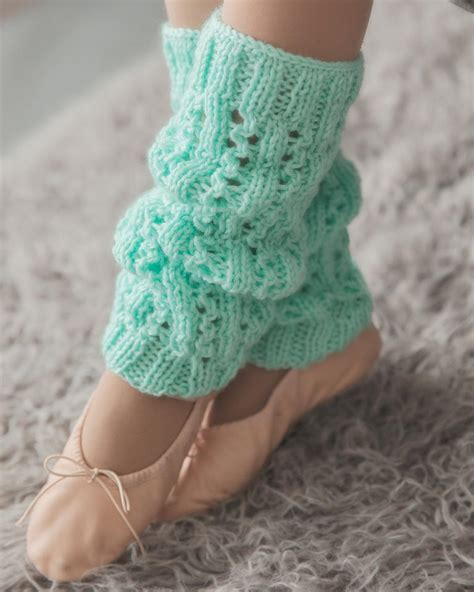 leg warmers knitting pattern minty fresh leg warmers allfreeknitting
