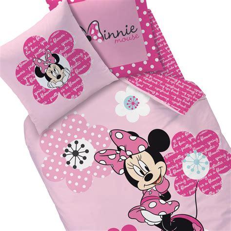 housse de couette minnie parure de lit pink flowers decokids tous leurs h 233 ros