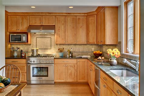 paint color for kitchen with maple cabinets kitchen paint colors with maple cabinets decor