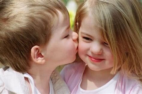 Kids Kissing Pictures To Download Kids Online World Blog