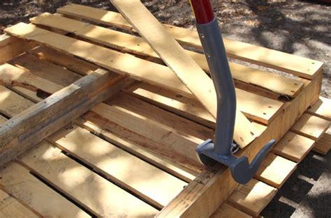 pallet woodworking hometalk diy stenciled pallet wood floor doormat