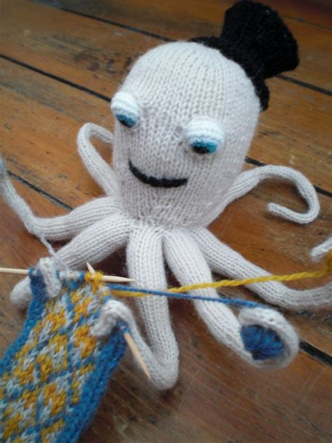 knitted octopus the knitting octopus pattern by max
