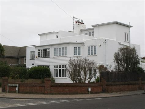 1930s homes file 1930s houses trent road robson road geograph org
