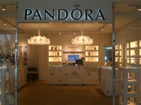 jewelry shop file hk ifc mall central 12 2009 pandora jewelry shop jpg