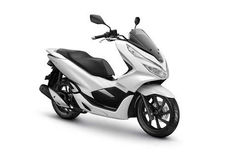 Honda Pcx Tahun 2018 by New Honda Pcx Dinobatkan Sebagai Sepeda Motor Terbaik