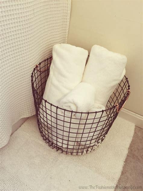 Bathroom Basket Ideas by Best 25 Basket Bathroom Storage Ideas On