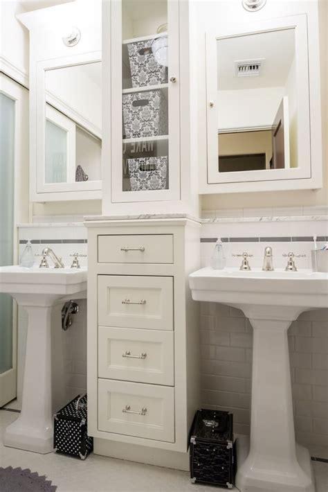 bathroom pedestal sink ideas 25 best ideas about pedestal sink bathroom on