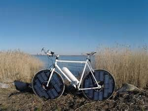 solar powered it s a solar powered electric bicycle now we re talking
