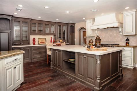 kitchen cabinet color combinations popular kitchen paint colors cabinet best color for