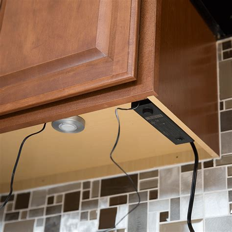 kitchen cabinet light how to install cabinet lighting