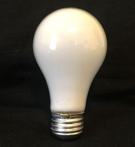 led light bulbs vs incandescent and fluorescent light bulbs incandescent vs led vs cfl