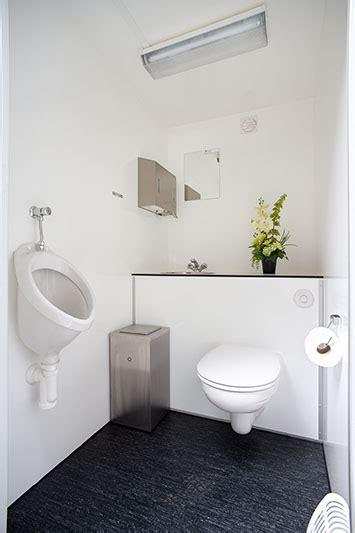 Mobiele Toiletunit by Sani Rent Mobiele Toiletunit Toiletwagen Huren Oirschot