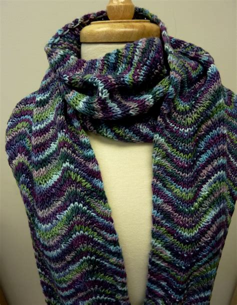 2 color knit scarf pattern 2 color chevron scarf knitting projects yarns and