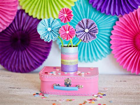 paper roses craft how to make paper flowers using cupcake liners how tos diy