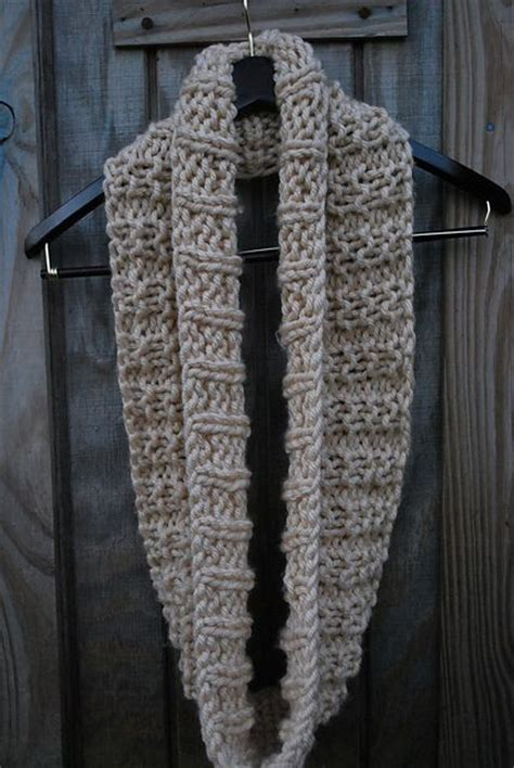 easy infinity scarf knit pattern the mid december easy knit infinity scarf crochet