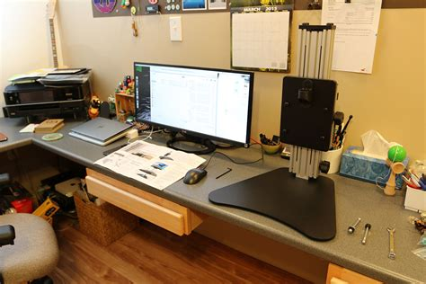 kangaroo pro standing desk ergo desktop kangaroo pro standing desk review the gadgeteer