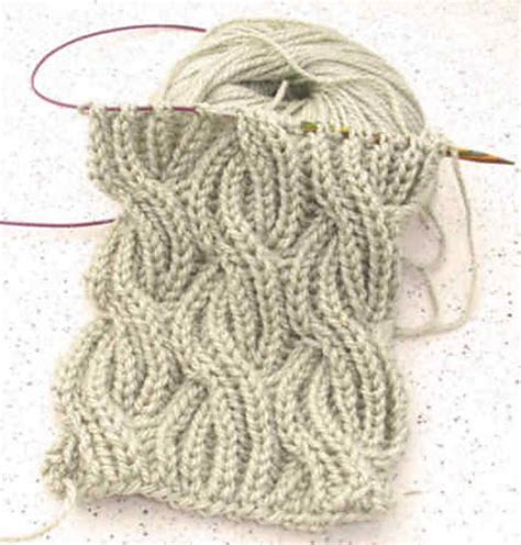 how to knit a cable scarf 843 best knit scarfs images on knitting