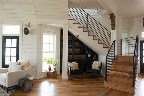 chip and joanna gaines home address the magnolia house booking and photos chip joanna gaines