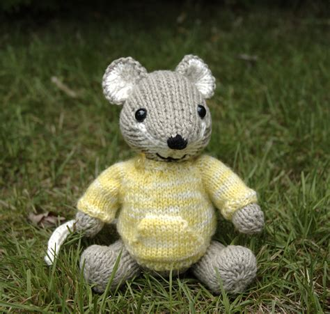 free knitted toys free knitting patterns toys 171 free patterns
